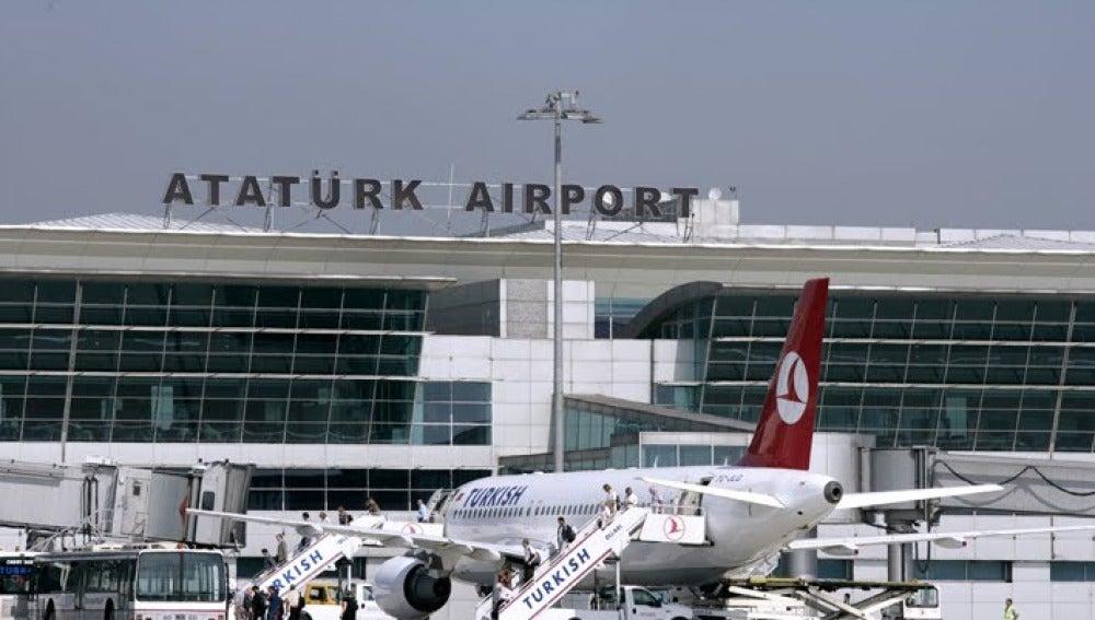 Aeropuerto Internacional Atatûrk de Estambul