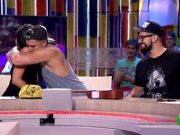 """Frame 86.507657 de: Cristina Pedroche felicita a los primos: """"Han ganado los mejores, los que más se lo merecían"""""""