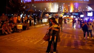 Atentado en el principal aeropuerto de Estambul