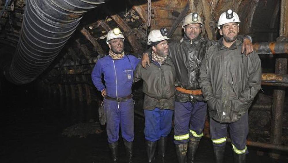 Los cuatro mineros encerrados