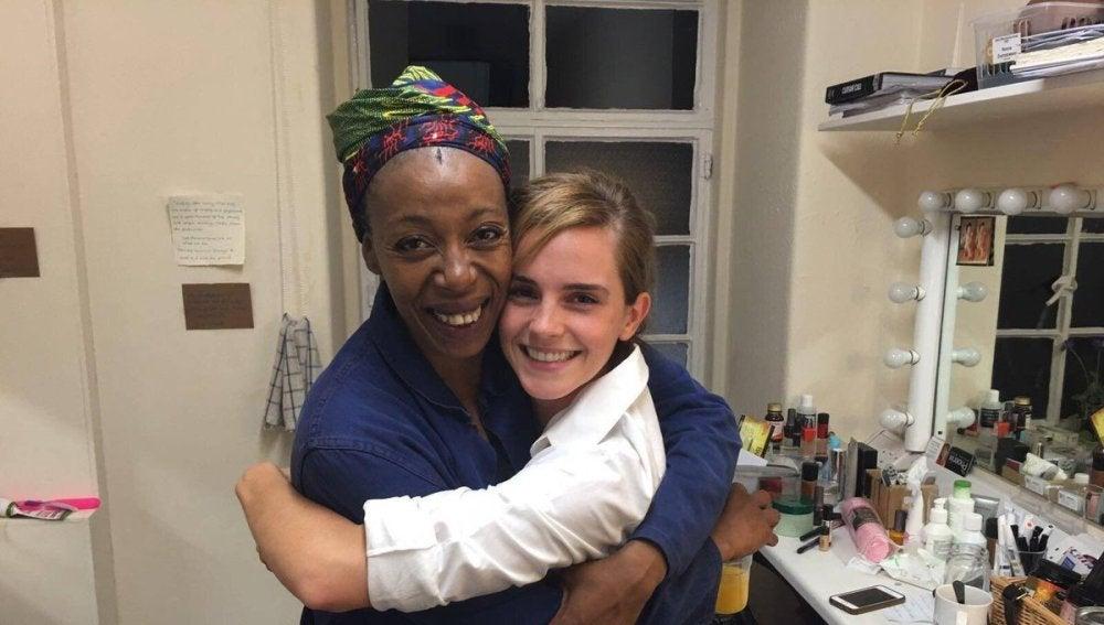 Emma Watson junto a Numa Dumezweni, la actriz que encarnará a Hermione en la obra de teatro de la saga del mago
