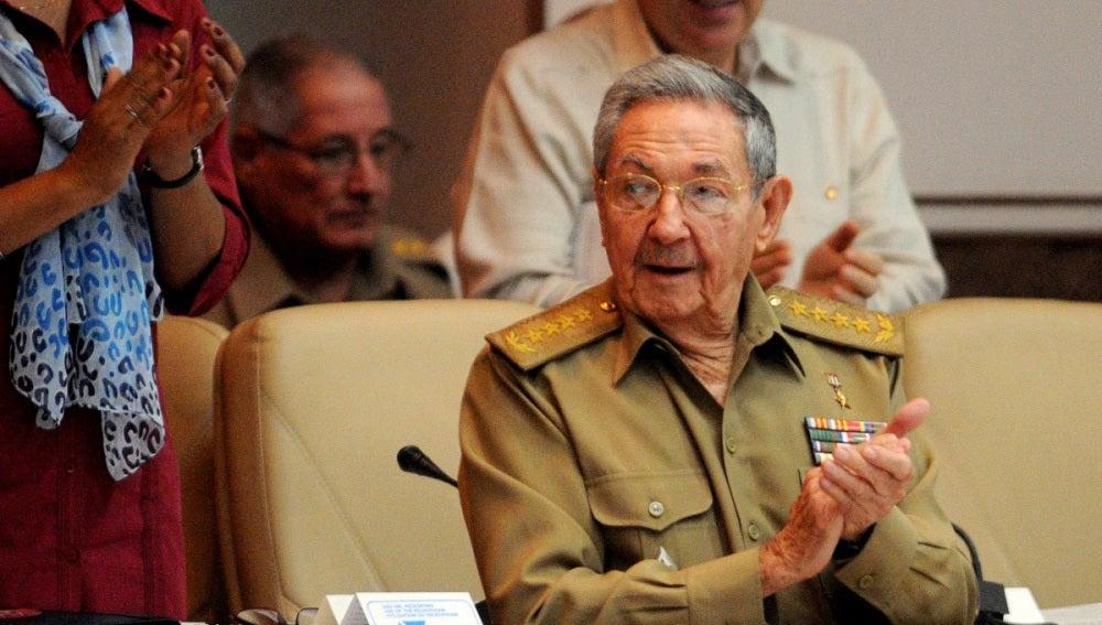 Raúl Castro reconoce adversidades en la economía pero descarta un colapso