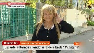 """Frame 52.288855 de: Amparo, la reportera más 'dicharachera' de Espejo Público: """"Mi pelo es natural, que mi peluquera me está viendo"""""""