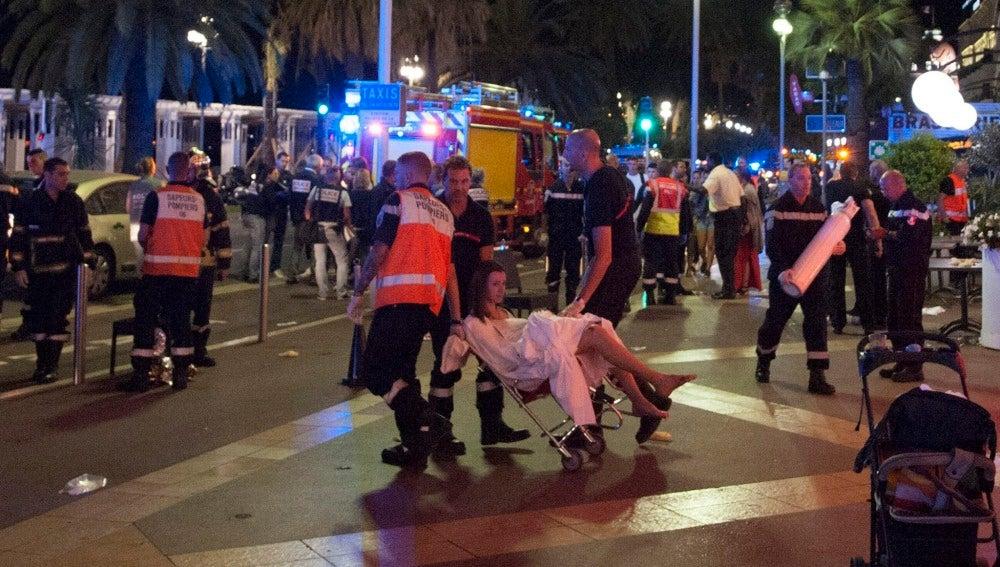 La solidaridad ciudadana responde al atentado de Niza con el hashtag '#PortesOuvertes' para ofrecer cobijo a quienes lo necesiten