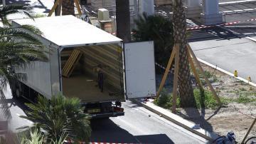 El interior del camión del atentado