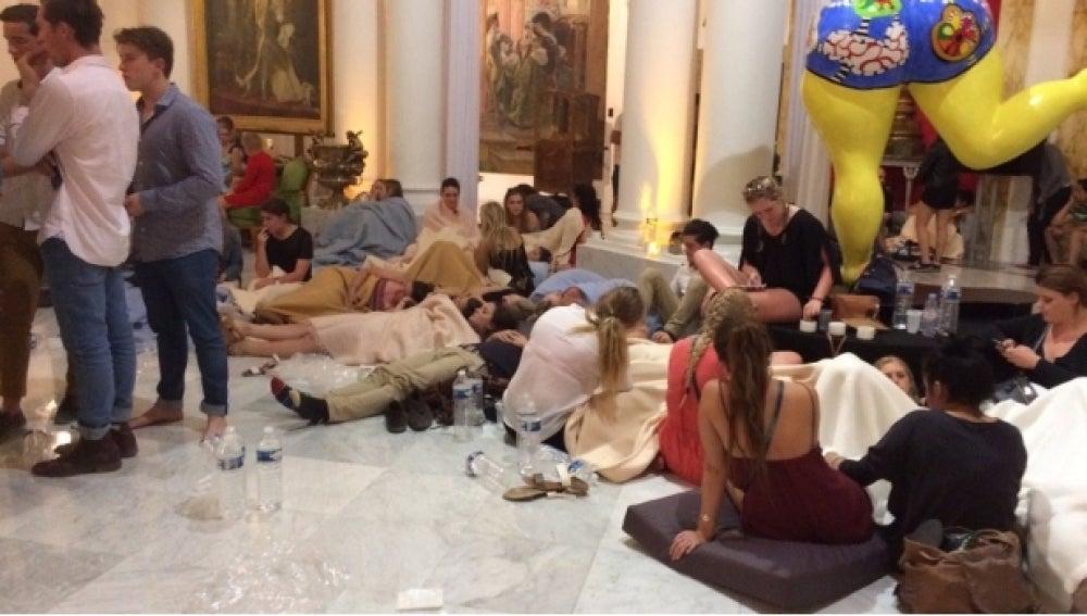 Hoteles convertidos en albergues improvisados para los afectados por el atentado en Niza