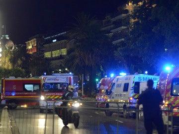 Ambulancias tras el atentado en Niza