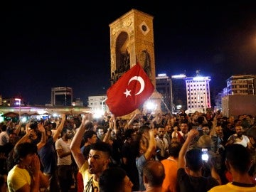 Los turcos salen a la calle
