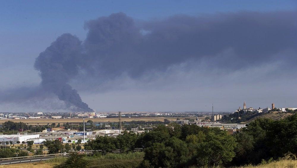 Dos Hermanas activa el plan de emergencia por un incendio en una fábrica de aceite