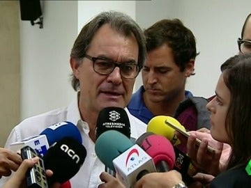 """Frame 72.608706 de: Artur Mas: """"Ni la antigua Convèrgencia ni el nuevo partido vamos a apoyar a Rajoy ni al PP"""""""