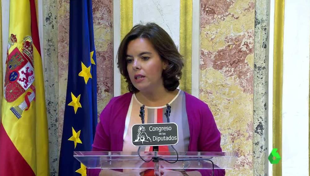 Soraya Sáenz de Santamaría ante los medios