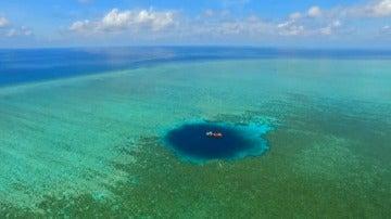 Agujero azul en el Mar de China Meridional.