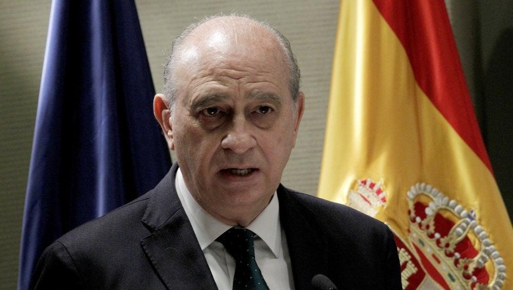 Fernández Díaz confirma que uno de los hermanos detenidos en Girona estaba  apunto de ser combatiente o colaborador de Daes desde España
