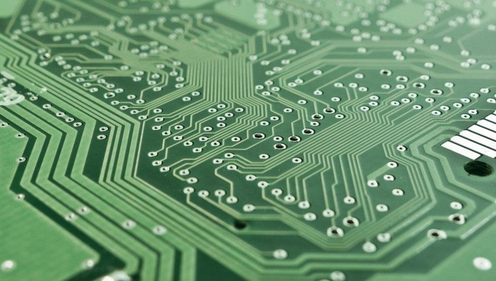 LA CPU o los discos duros externos son algunas de las herramientas que puedes compartir con quien lo necesite