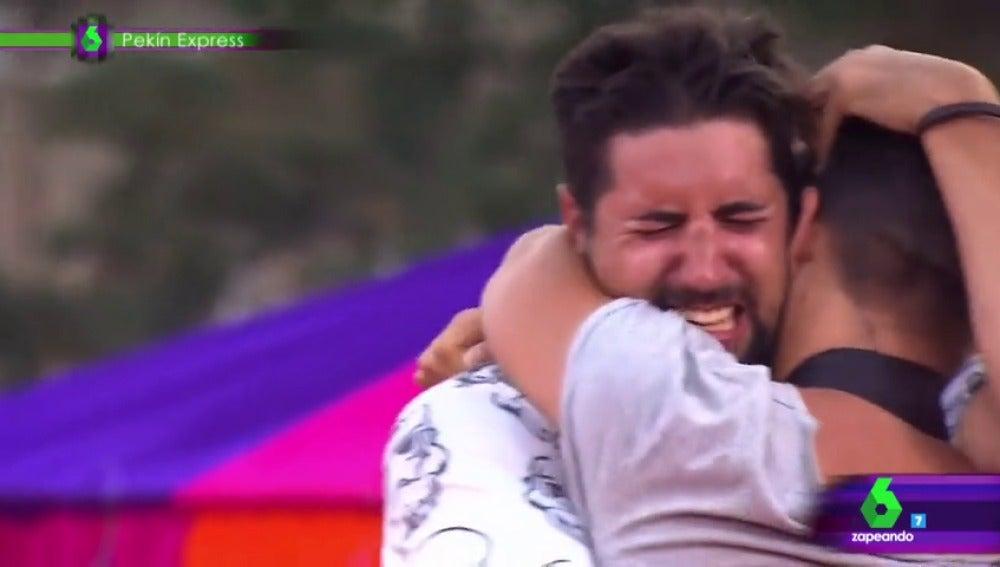 Frame 45.607775 de: 'El triunfo de los primos', segundo finalista a los premios Zapeando como Mejor momentazo
