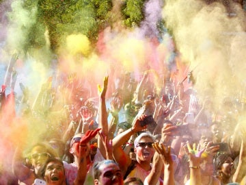 Un momento del festival de los colores Monsoon Holi Madrid