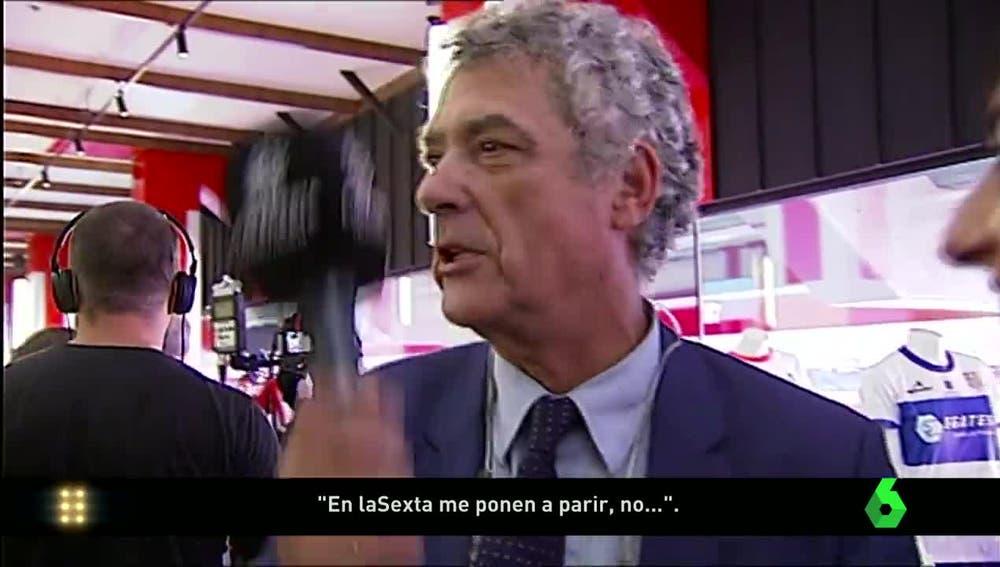 Ángel María Villar, con el micrófono de Atresmedia