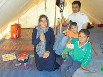 Frame 69.780172 de: Dos niños iraquíes con una grave enfermedad degenerativa recibirán tratamiento en España