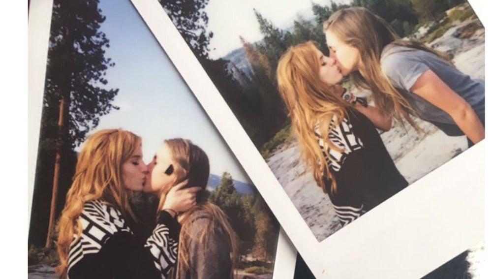 Bella Thorne dándose un beso con su supuesta novia