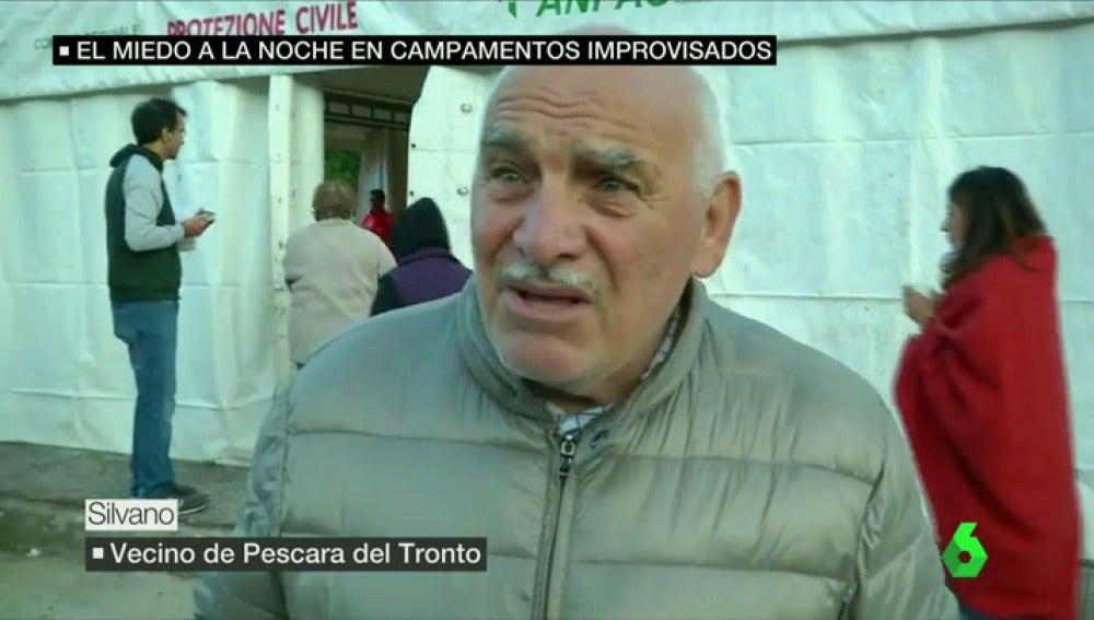 """Frame 38.927875 de: Testigo del terremoto en Italia: """"He vivido muchos, pero nunca uno como este, ha sido largo y horroroso"""""""