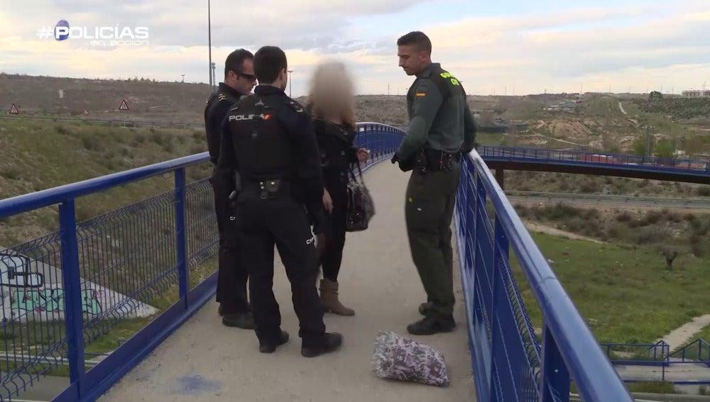 Una chica se intenta suicidar cerca de la Cañada Real