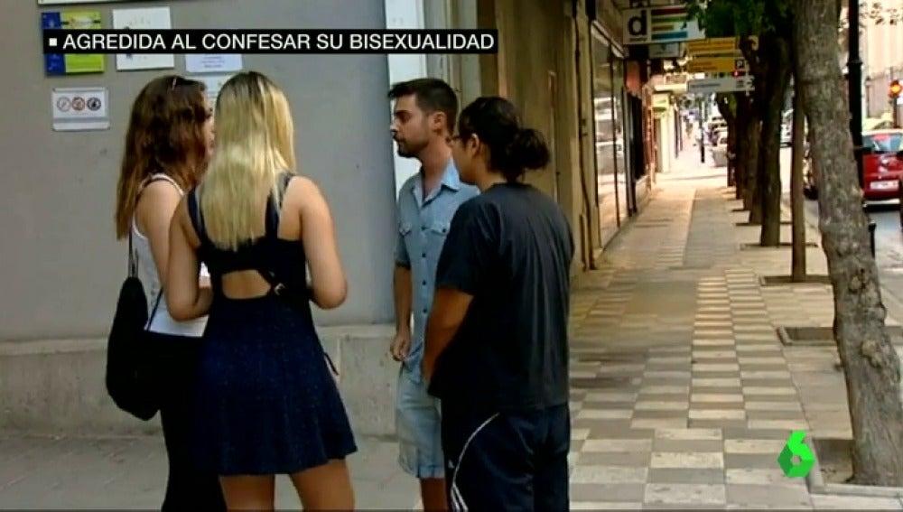 """Frame 15.677962 de: Madison, víctima de una agresión homófoba en Albacete: """"Me escupió en la boca y me cogió del cuello"""""""
