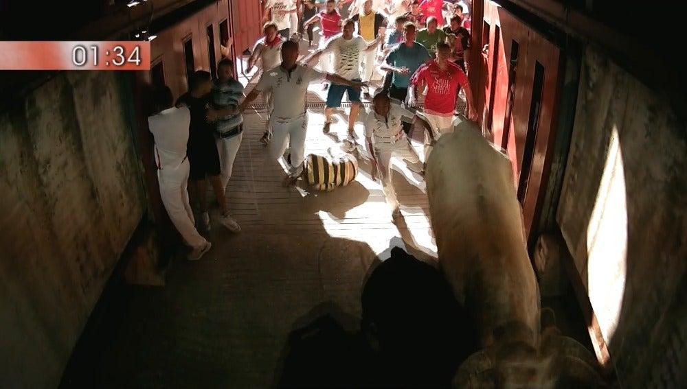 Frame 102.77328 de: Los toros de El Canario y las grandes carreras, protagonistas del cuarto encierro en San Sebastián de los Reyes