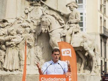 El presidente de Ciudadanos, Albert Rivera,durante el acto político celebrado en Vitoria