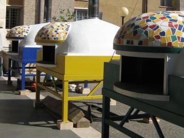 Los tres hornos utilizados para elaborar las pizzas en el Vaticano