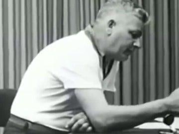 Imágenes del experimento de las descargas de Stanley Milgram.