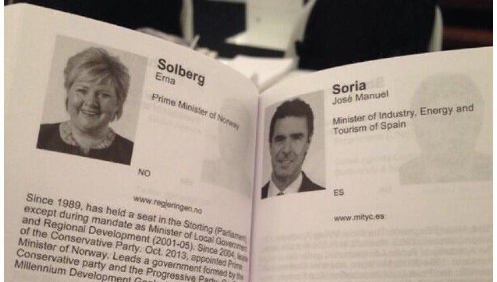 Currículum de Soria presentado en un folleto del Foro Económico mundial que se celebró en la ciudad suiza de Davos