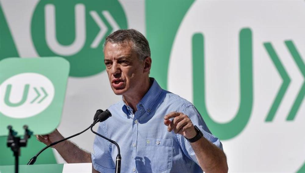 El lehendakari y candidato a la reelección Iñigo Urkullu interviene durante un acto de campaña