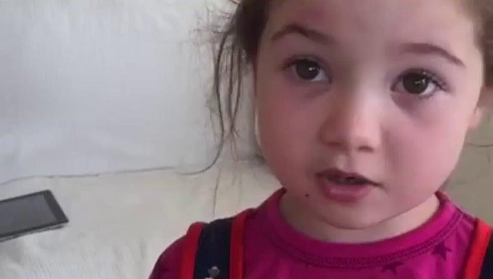 Frame 0.0 de: Una niña de cinco años explica a su madre por qué no volverá a comer animales y su razón se hace viral
