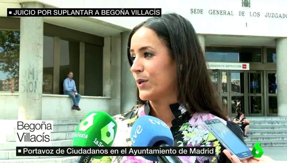 Begoña Villacís habla con los medios
