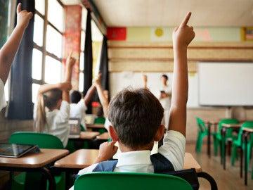 Niños durante una clase