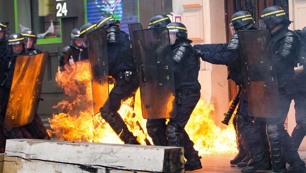 Altercados en Francia durante las protestas por la reforma laboral