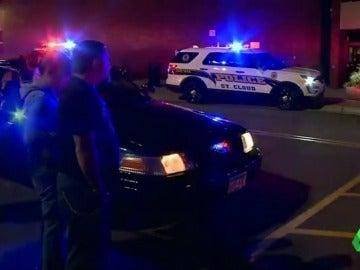Frame 7.588121 de: Daesh reivindica el apuñalamiento masivo en un centro comercial de Minesota que ha dejado ocho heridos