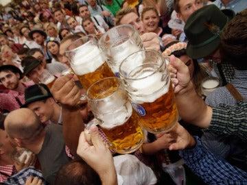 El consumo de cerveza permite ver más rápido las caras felices