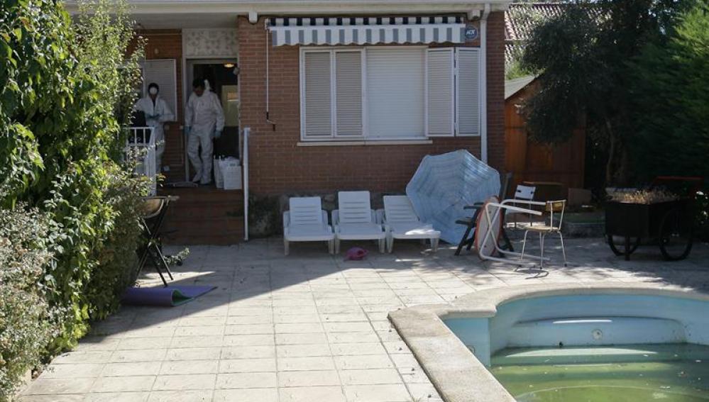 La vivienda en la que fueron hallados los cuatro cadáveres en Pioz