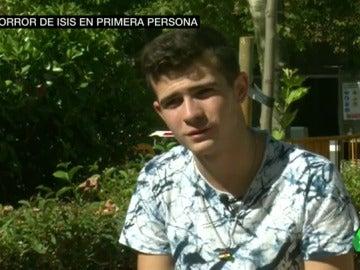 """Frame 21.364586 de: Abdul, secuestrado por Daesh con 15 años: """"Tenían una habitación de tortura"""""""