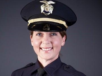 La agente de Policía, Shelby Betty