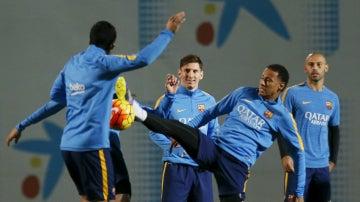 Messi, Neymar y Mascherano, durante un entrenamiento del Barcelona