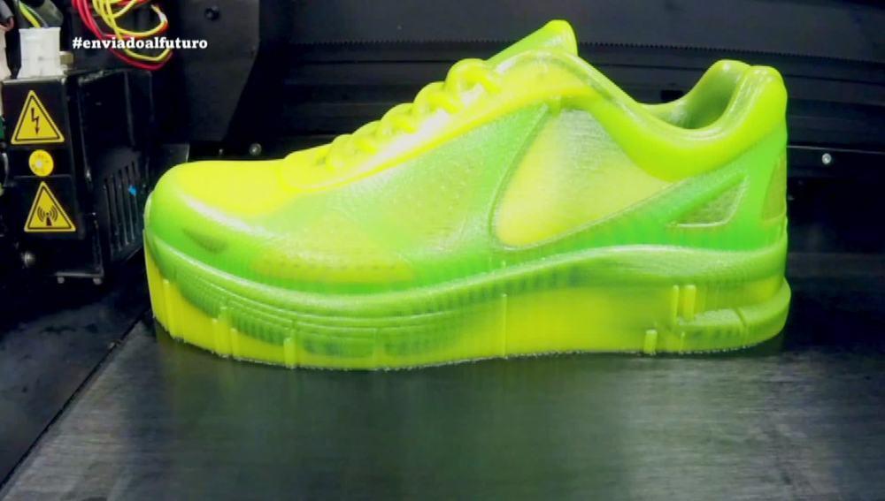 Zapatillas de una pieza creada con una sola máquina 3D