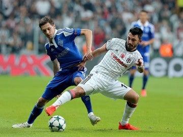 Momento del partido entre el Besiktas y el Dinamo de Kiev