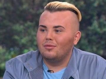 Un joven británico se gasta 23.000 euros del desempleo en parecerse a Beckham