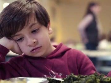 Frame 38.744201 de: Polémica por un anuncio de Sojasun que promueve entre los niños cambiar el consumo de verduras por postres industriales