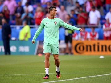 Cristiano Ronaldo, en un calentamiento de Portugal en la Euro 2016