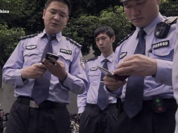La policía ordena dejar de grabar a Enviado especial