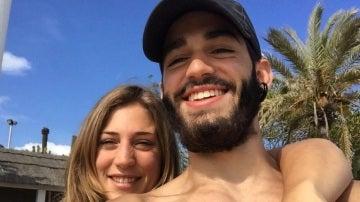 Pablo Ráez junto a su novia Andrea