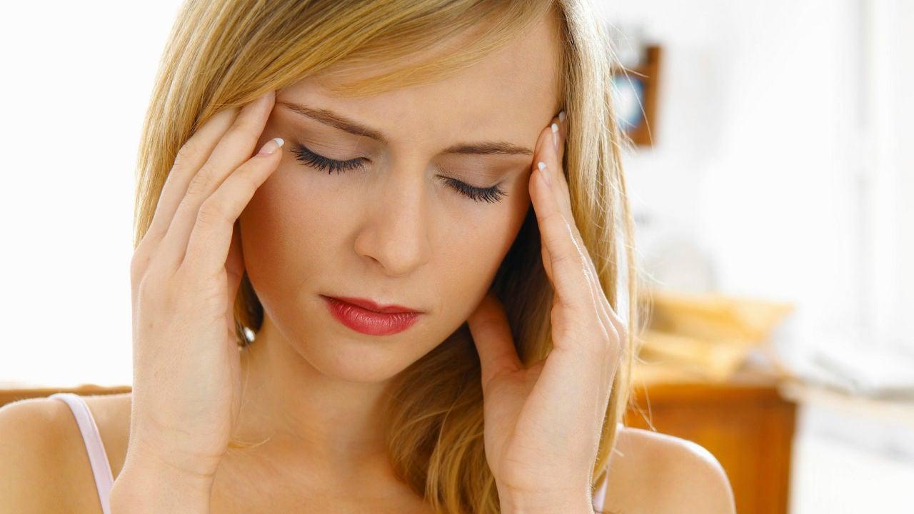 ¿Por qué tengo dolores de cabeza detrás de los ojos?